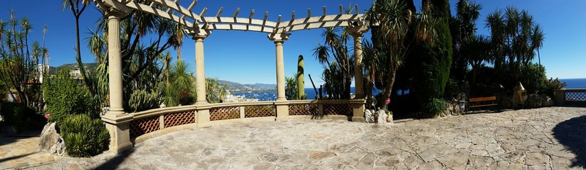 Vue Panoramique de Monaco du jardin Exotique