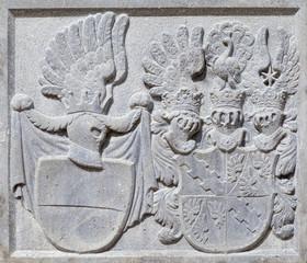 Герб князя Лихтенштейна на замке Леднице.