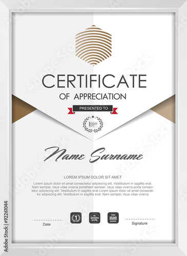 quotcertificate template with clean and modern pattern