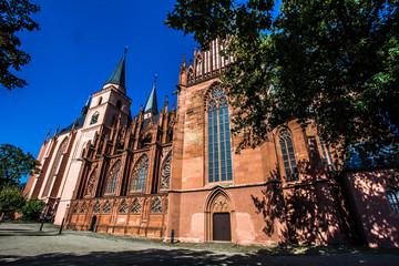 Katharinenkirche in Oppenheim an einem wundervollen Herbsttag