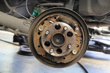 Drum brakes hub of the car