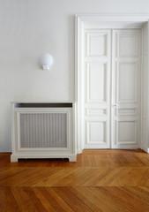 Obraz Porte et parquet ancien d'appartement privé parisien  - fototapety do salonu