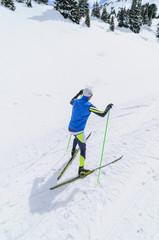 dynamischer Wintersport beim Skating