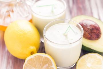 Yoghurt cocktail avocado lemon honey