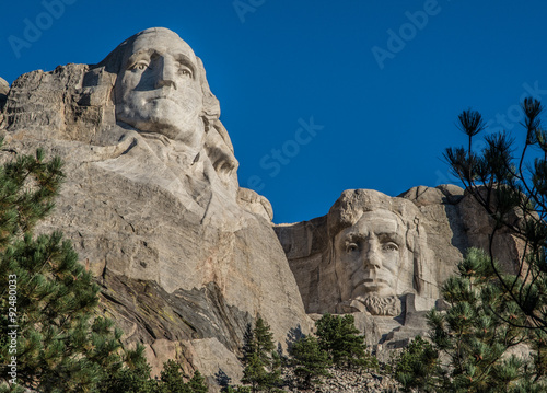 Quot george washington and abraham lincoln stone carvings at