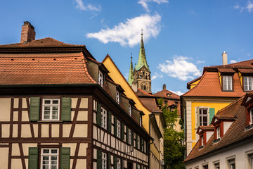 Wall Mural - Fackwerkhäuser in Bamberg Blick zum Dom 01