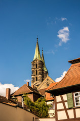 Wall Mural - Bamberg Dom mit Fachwerkhaus