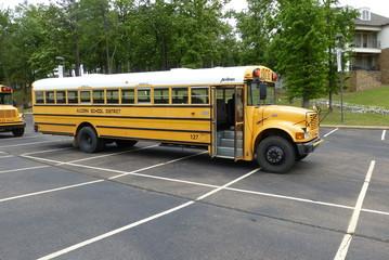 AmTran-Schulbus 2013 im Alcorn-School-District in USA