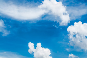 white clouds / blue sky background with white clouds