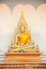 Buddha statue outside Wat Chedi Luang, Chiang Mai, Thailand
