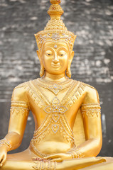 Golden Buddha statue at Wat Chedi Luang, Chiang Mai, Thailand