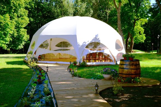 Tent ready to party in Raudondvaris Manor