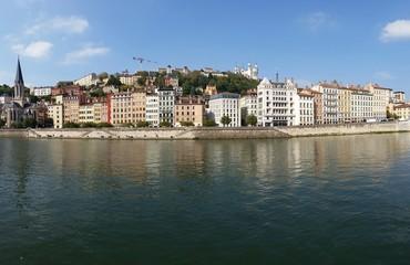 Panorama des quais de Saône à Lyon
