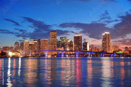 Wall mural Miami night scene