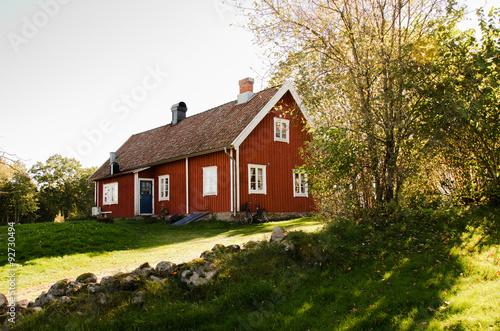schwedisches holzhaus imagens e fotos de stock royalty. Black Bedroom Furniture Sets. Home Design Ideas