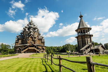 Foto auf Acrylglas Denkmal The monument of wooden architecture Pokrovsky graveyard in St. P