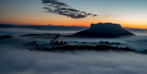 Lilienstein im Nebelmeer