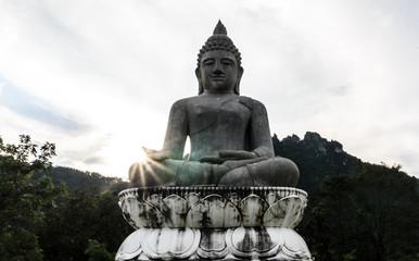 Image of Buddha and sunlight.