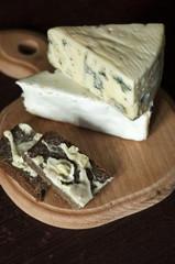 a cheese sandwich / sandwich with cream cheesee