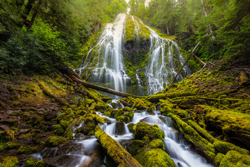 Beautiful Proxy falls in mist, Oregon