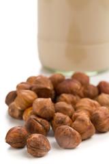 Hazelnut kernels with hazelnut milk