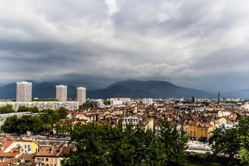 Vue générale de Grenoble du haut du Musée Dauphinois