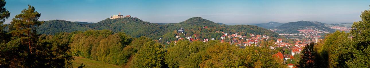 Die Wartburg über Eisenach im Thüringer Wald