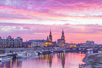 Fototapete - Purple sunset in Dresden