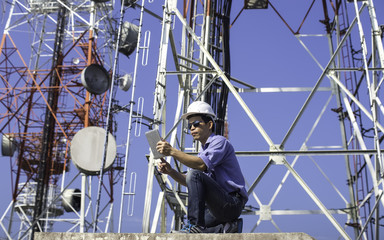 engineer communications check Antenna, Tablet