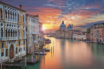 Poster Venetie Venice. Image of Grand Canal in Venice, with Santa Maria della Salute Basilica in the background.