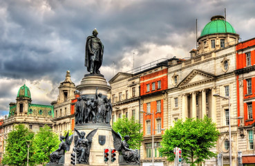 Monument of Daniel O'Connell in Dublin - Ireland Wall mural