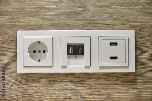 usb und hdmi steckdose an der wand stockfotos und lizenzfreie bilder auf bild. Black Bedroom Furniture Sets. Home Design Ideas