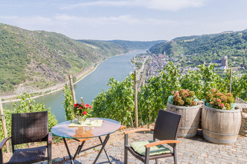 View of the Rhine valley from a restaurant above the city of Oberwesel Fototapete