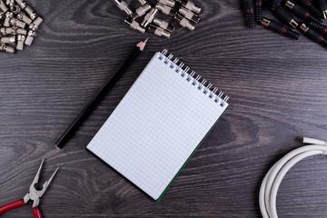 Antenna plug, notebook, and tools