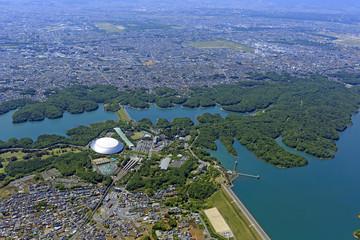 狭山湖上空/狭山湖上空より西武球場と多摩湖