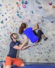 Trendsport Bouldern in der Kletterhalle