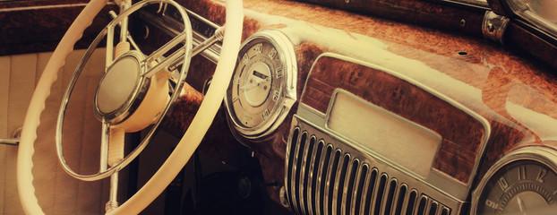 Fond de hotte en verre imprimé Vintage voitures Vintage car dashboard (fragment)