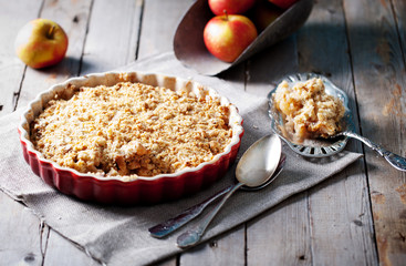 Apple crumble  with  fresh apples