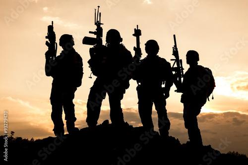 Военные солдаты силуэты бесплатно