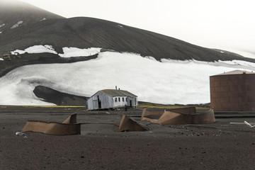 station baleinière Ektor, Baie Port Foster, Ile de la Déception, iles Shetland du Sud, péninsule Antarctique