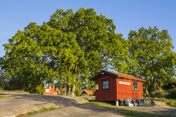 Postoffice and library on the island Harstena in Sweden, princip