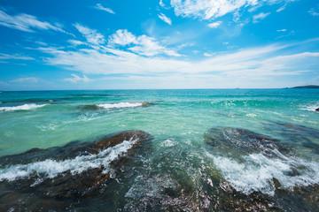 Wall Mural - Water splash over the reef