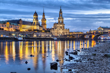 Fototapete - View on Dresden from side of Elbe river
