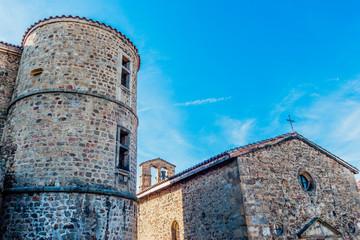Château et chapelle de Virieu dans le vieux bourg de Pélussin