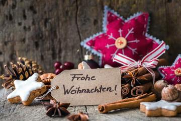 Handbeschriftete Weihnachtskarte mit Dekoration