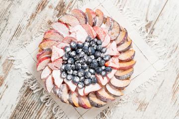 Crostata di frutta fresca con effetto brina