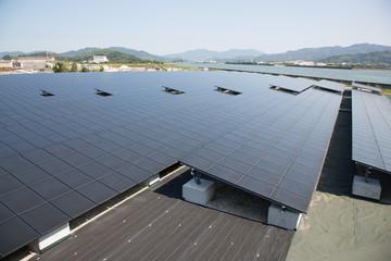 大規模な太陽光発電システム
