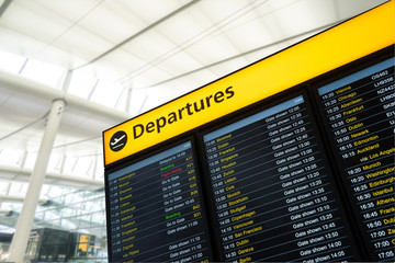 Fotomurales - Flight information, arrival, departure at the airport, London, E