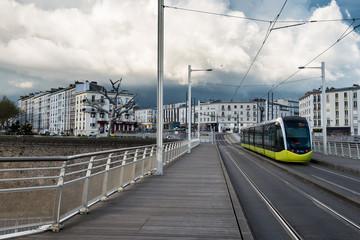 Brest - Tramway sur le pont de Recouvrance