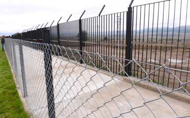 barbed wire against the passage of immigrants